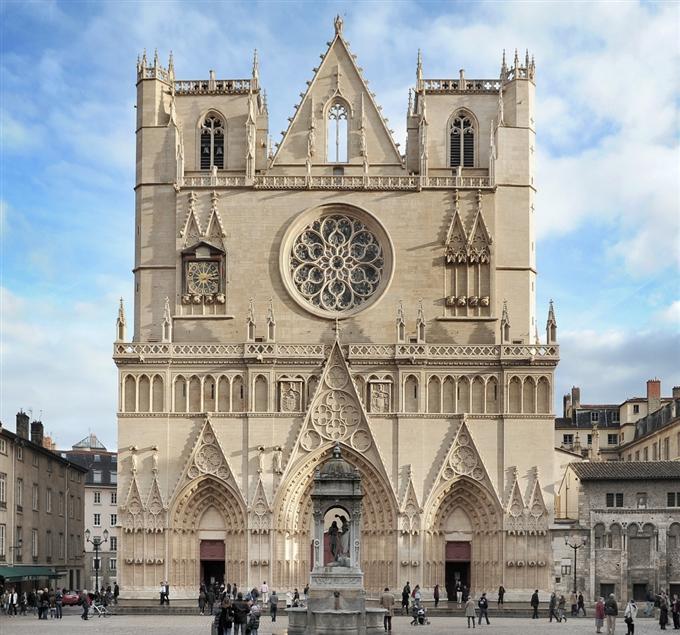 La Primatiale St Jean Baptiste